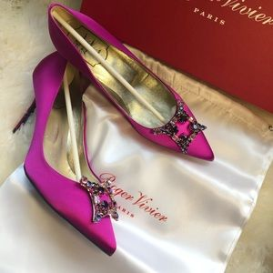 New authentic Roger Vivier Pumps